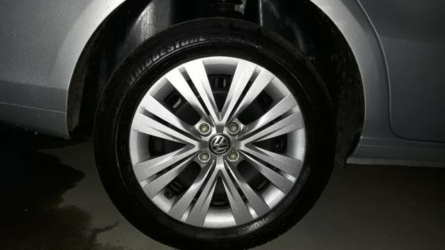Volkswagen Voyage 1.6 MSI Flex 8V 4p - Prata - Foto 6
