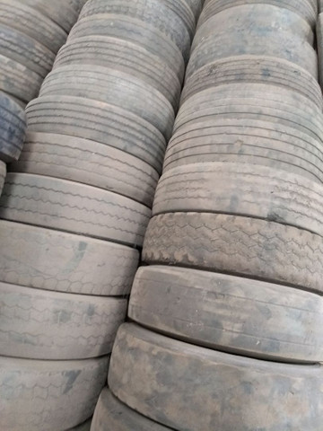 Lote de pneus usados 295 e 275 - Foto 5