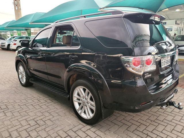 HILUX SW4 2013 7 LUGARES  - Foto 5