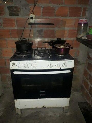 Vendo geladeira  e fogão urgente
