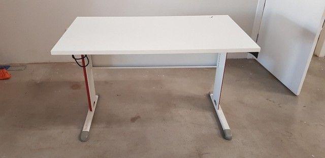 6 mesas escritorio branca retangular 0,60x1,20 25mm - Foto 2