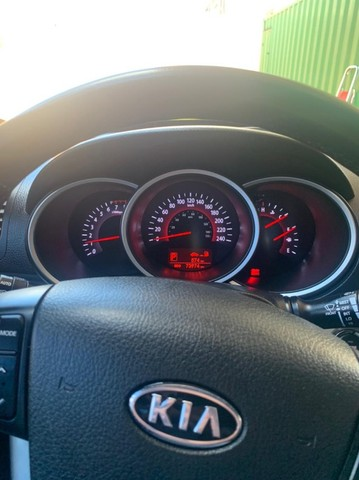 Kia Sorento 3.5 V6 4x2 2012 - Aut - Foto 7