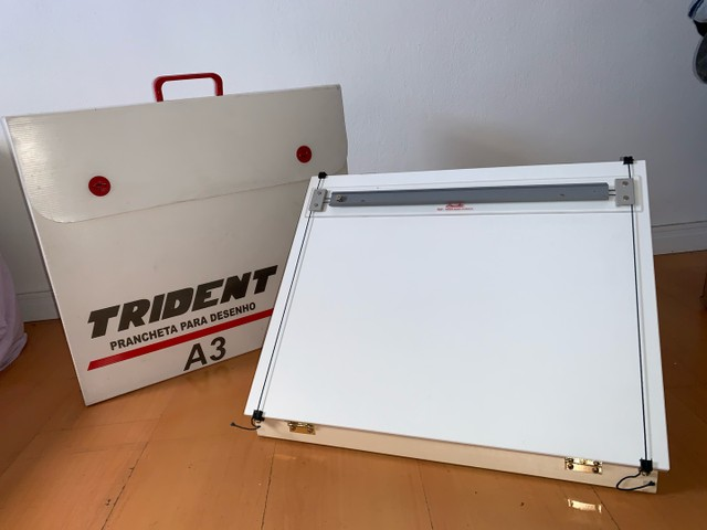 Prancheta para Desenho A3 Trident + Tubo Telescópio