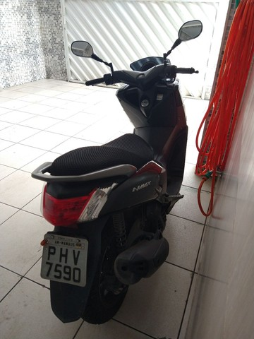 Moto Yamaha N-Max