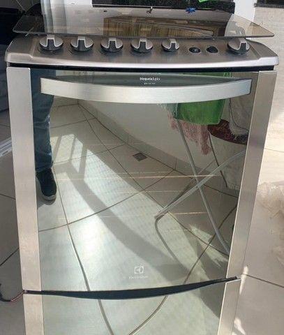 Fogão 4 Bocas (uma boca chama dupla) Electrolux Inox Automático com Grill e Timer - Foto 5