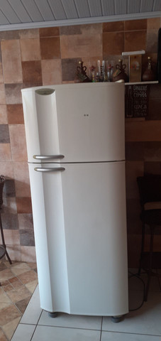 geladeira air flow system dc 45 Electrolux             1200 reais aceito propostas