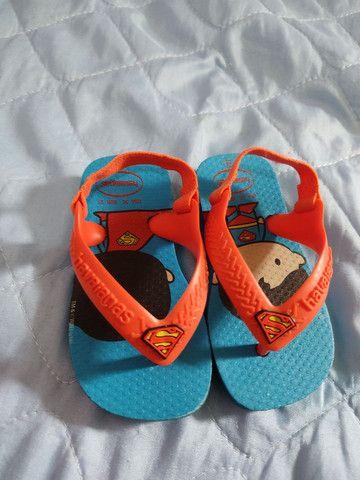 Chinelo e sandália pé com pé 20 reais os dois - Foto 2