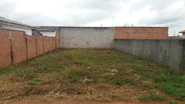 Vendo terreno na assoset todo murado quitado em dias