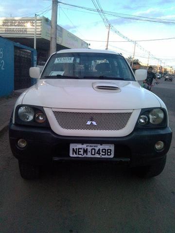 Vendo carro uma L200 a diesel ano 2008 e 2009