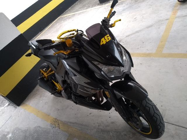 Moto Kawasaki z1000/12