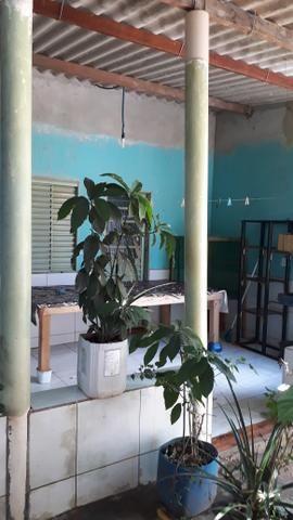 JD GUANABARA 1, casa com barracão na rua Anápolis - Foto 6
