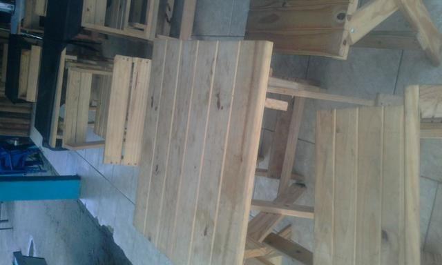 Jogo de mesa madeira com 4 cadeiras,mesas de bar
