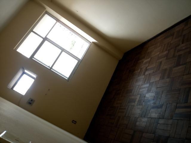 Alugo Apartamento na conselheiro 2 quartos,sala,1 banheiro, e area de serviço info tratar