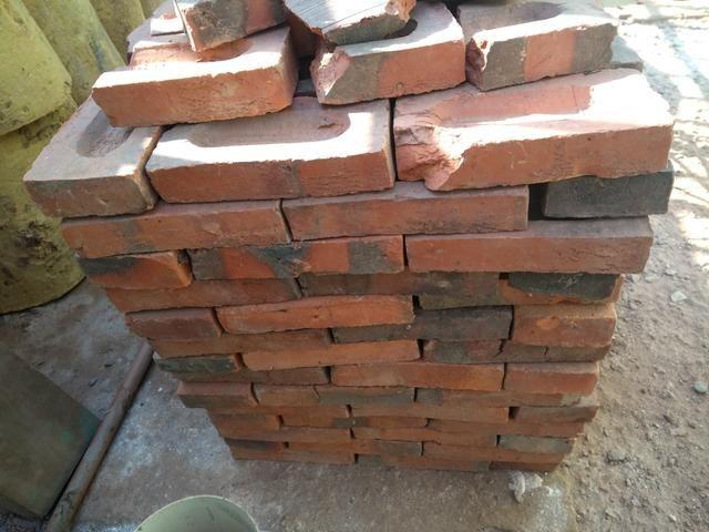 140 tijolos R$ 50,00 Maciço Requeimado - Foto 2