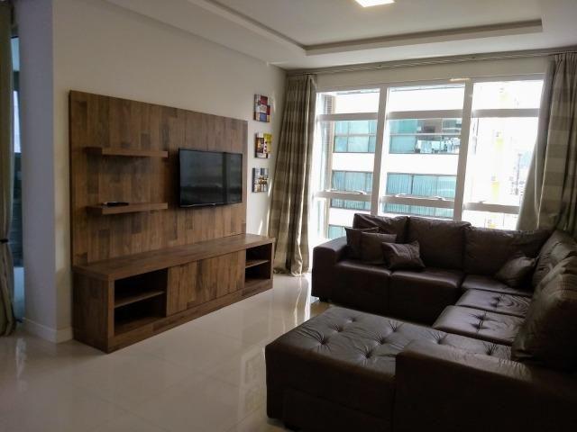 AP2159 Ótimo apartamento,03 suítes,mobiliado,localizado em Meia Praia - Foto 3