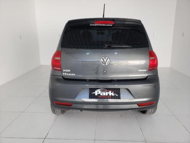 Volkswagen Fox BlueMotion 1.6 Flex c/GNV - Foto 7