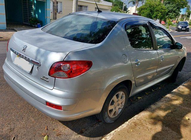 Vende_se Peugeot 207 sedã 2013 - Foto 6