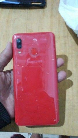 Vendo sansung Galaxy A20 com nota e carregado  - Foto 3