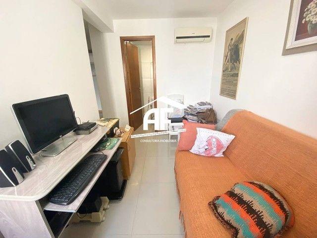 Apartamento com varanda com vista permanente para o mar - Localizado na Ponta Verde - Foto 8