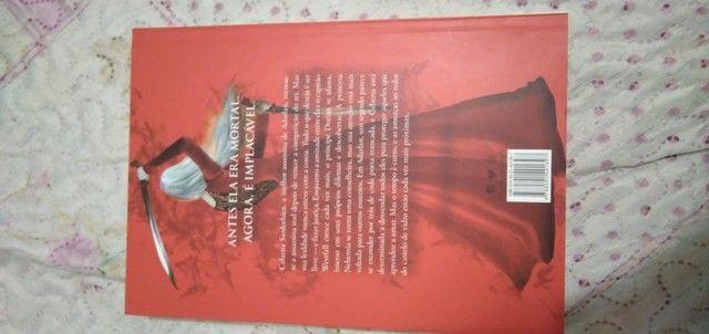 Livros da coleção Trono de vidro  - Foto 3