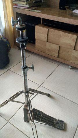 Máquina de ximbau e pedal de bateria