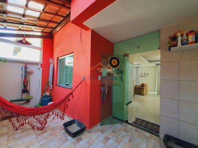 Casa em Condomínio com 03 Quartos, 2 Vagas de Garagem no Europa. - Foto 11
