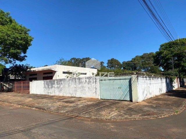 Casa de Esquina no Jardim Petrópolis