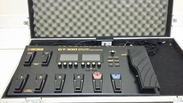 Pedaleira Boss GT100 + Hard Case