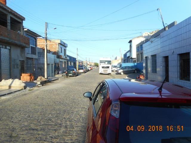 Casa na travessa iguaçu bairro 18 do forte - Foto 2