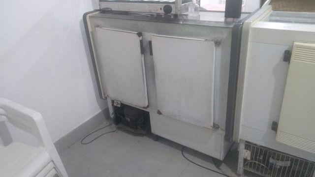 Vendo balcão refrigerado Gelopar - Foto 2