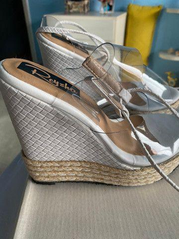 Sandália plataforma com amarração no tornozelo linda!