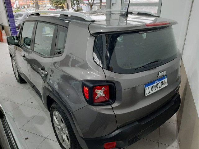 Jeep renegade limited automática 6 marchas único dono garantia banco couro multimídia - Foto 3
