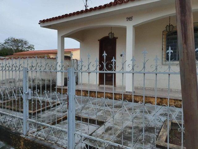 Casa em lote de 474m2 em Torneiros