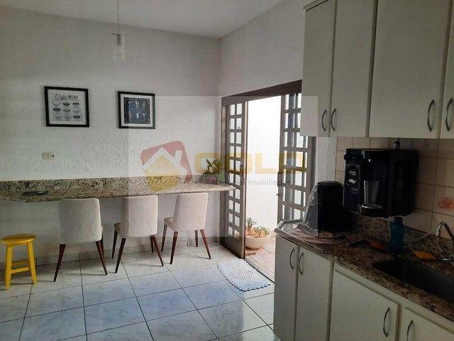 Casa para Venda em Uberlândia, Cidade Jardim, 3 dormitórios, 1 suíte, 3 banheiros, 3 vagas - Foto 12