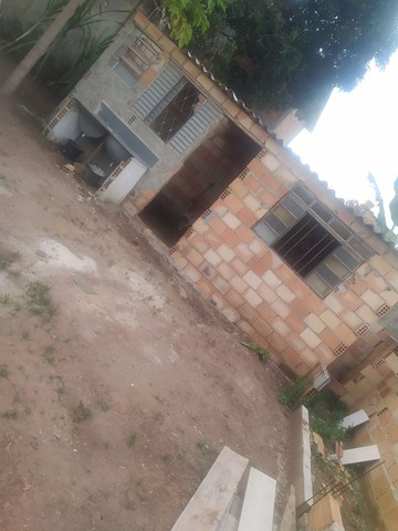 Casa semi pronta com fundações e muros levantandos  - Foto 5