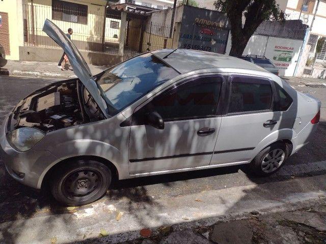 Fiesta sedan 06/07 - Foto 4