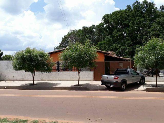 Casa em Altos-Pi Com ponto comercial