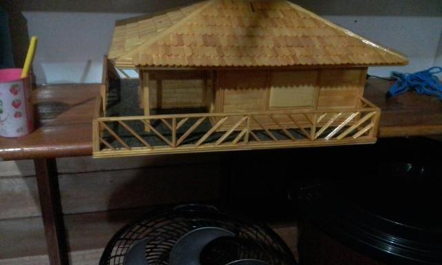 Vendo essa casinha de artesanato endereçado entra em contato 96991275102
