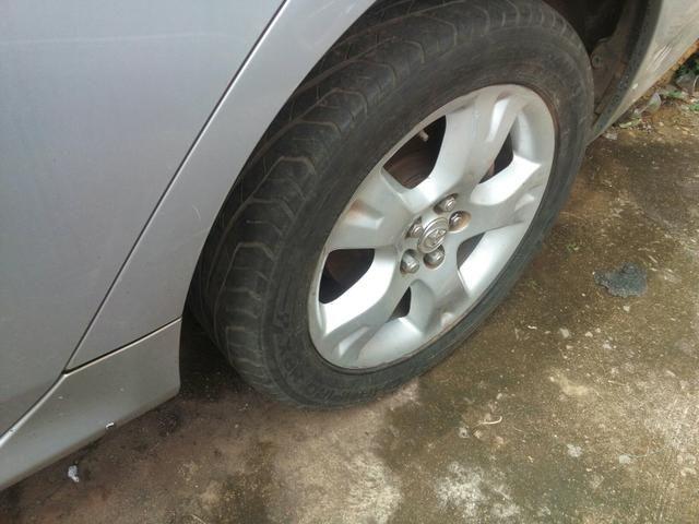 Jogo de rodas aro 16 COROLLA 2011 com 2 pneus