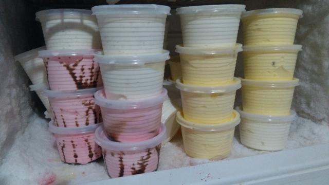 Aceita-se encomendas de sorvetes e garrafinhas