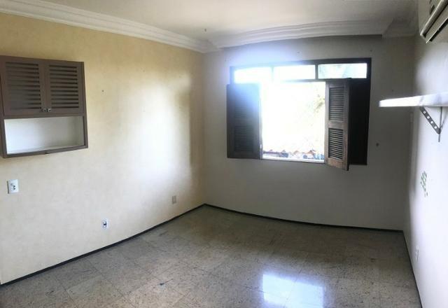 TE0441 Casa duplex com amplo terreno de 960m², 4 quartos, 6 vagas, piscina - Foto 9