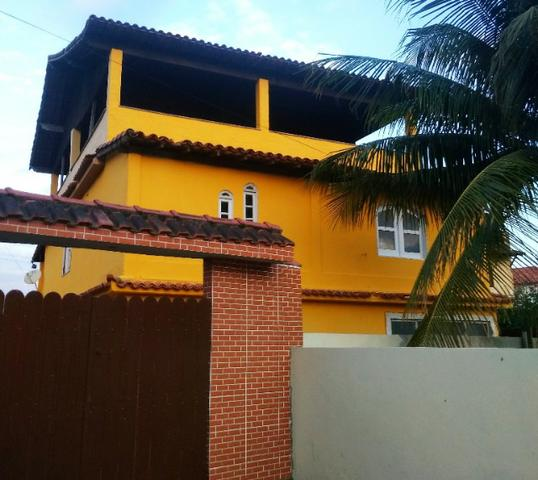 Vendo/Alugo Casa c/ 3 Andares ou Apartamentos Privilegiada no Centro de Iguaba Grande