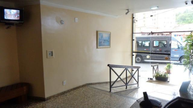 Excelente apartamento de frente, muito ensolarado, 3 quartos - Foto 17