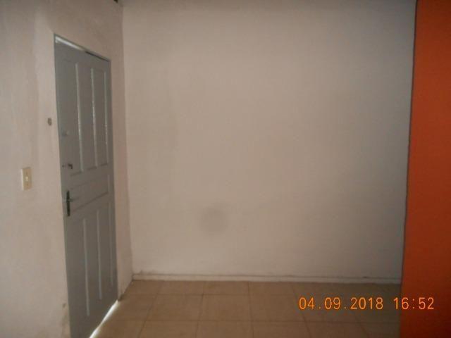 Casa na travessa iguaçu bairro 18 do forte - Foto 5