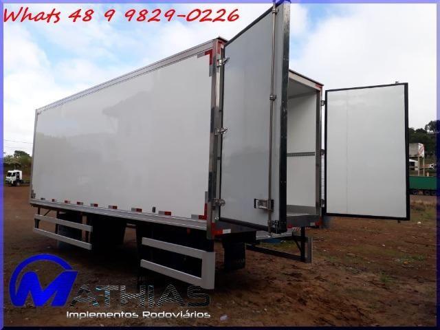 Baú frigorífico para caminhão toco seminovo paleteiro Mathias implementos - Foto 2