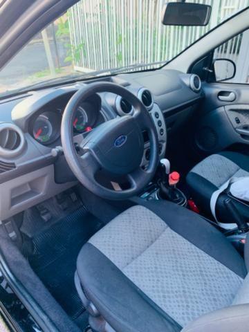 Fiesta hatch 1.6 completo - Foto 4