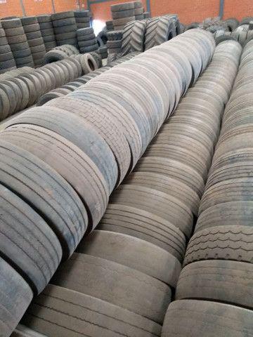 Lote de pneus usados 295 e 275 - Foto 4