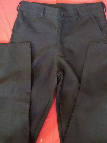 Fardamentos Calças pijamas verde e calças sociais - Foto 2