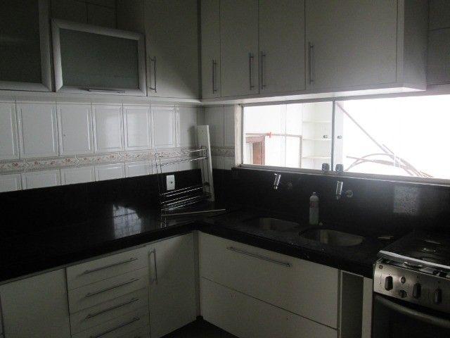 Alugo casa em Condomínio na Fraga Maia - Foto 6