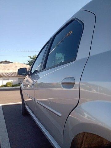 Logan 1.6 único dono. Estado do carro impecável e todo revisado! - Foto 3